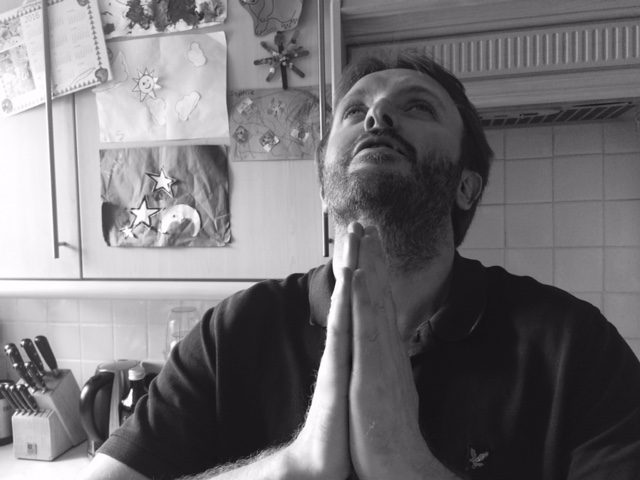 Chris McCausland preying to God - So I almost set fire to the kitchen - Comedy blog